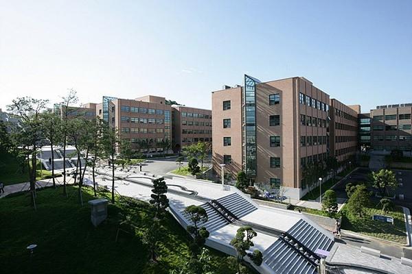 Tìm hiểu ngôi trường lớn nhất Hàn Quốc – Đại học Dankook